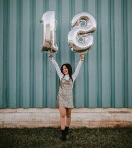 Freche Glückwünsche zum 18. Geburtstag