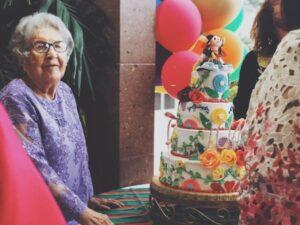 Schöne und herzliche Geburtstagswünsche für Oma